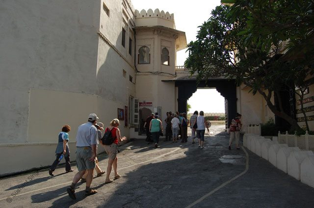 Uphill towards City Palace (South entrance)