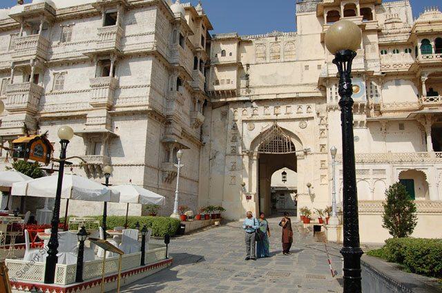 Toran Pol i.e. the entry into the main City Palace complex