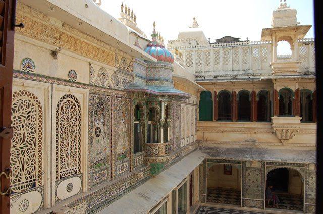 Mor Chowk, a courtyard of peacocks.