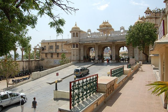 Tripolia - the northern entrance to the Manik Chowk courtyard of City Palace, Udaipur