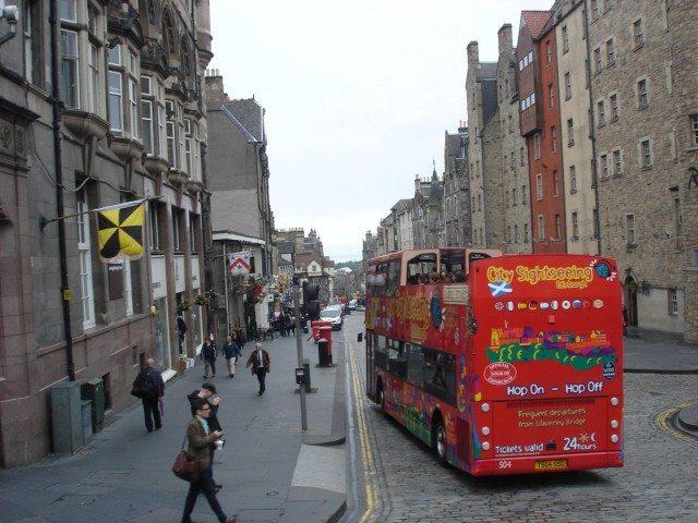 The HOHO Bus