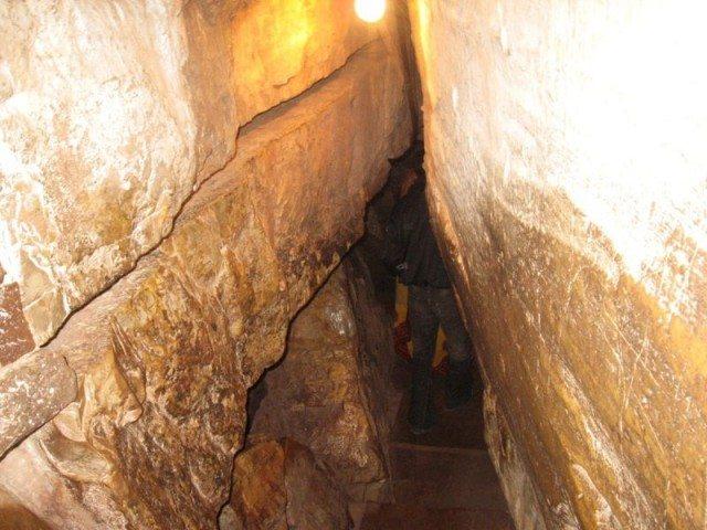 Chitrakoot Dham : Gupt Godavari, Entrance to Cave, गुप्त गोदावरी प्रवेश