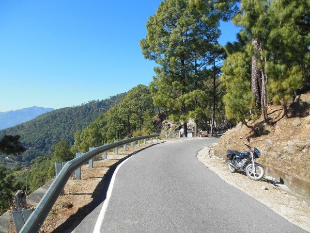 Narrow roads with frequent turns but almost traffic free