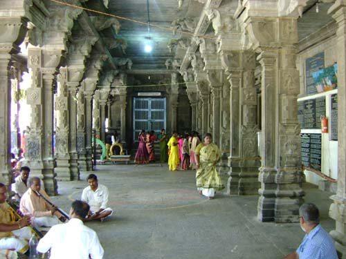 Inside Temple (http://www.popscreen.com)