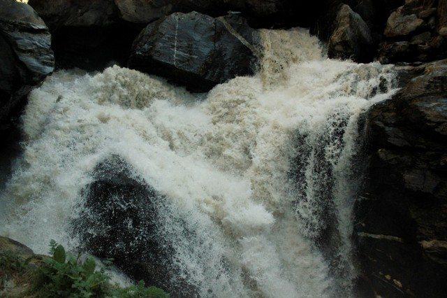 Water gushing out at Mana