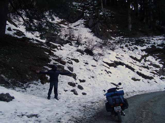 Early morning snow cover on Lokhandi – I'll call it a pass