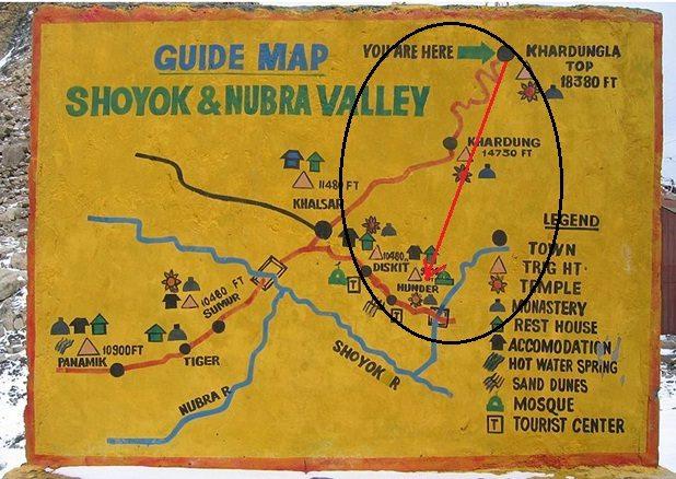 """""""खर्दुंग ला"""" पर लगा हुआ यह नक्शा।"""