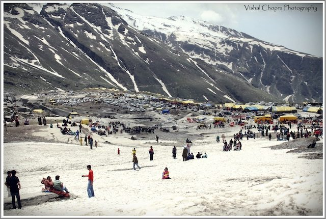 The Crowd at Rohtang