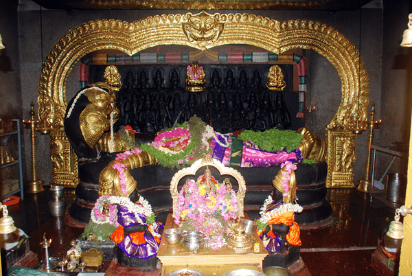 deity inside padmanabhan temple