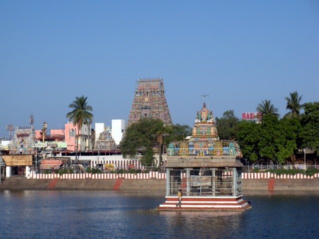 Kapaleeswarar temple tank(www.wikipedia.org)