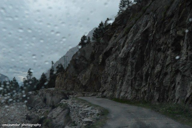 Droplets on windscreen - way to Kalpa