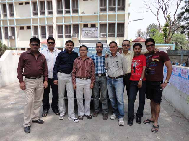 TRC गेस्ट हाउस पर हम, पाण्डेय जी और देहरादून के साथी