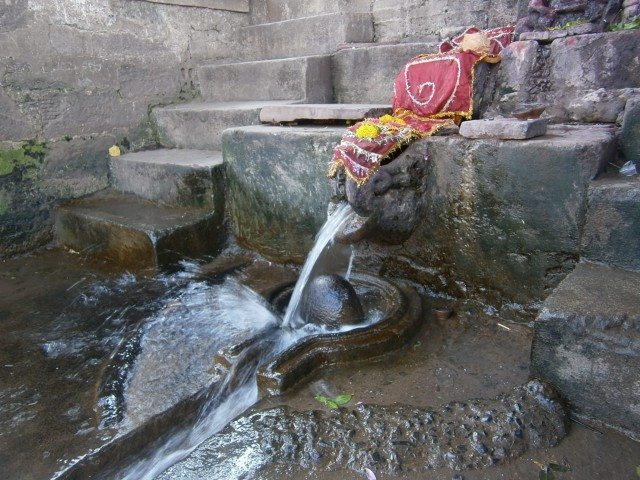 भोले का चमत्कार - इस पानी के स्त्रोत का कोई अता पता नहीं है.......