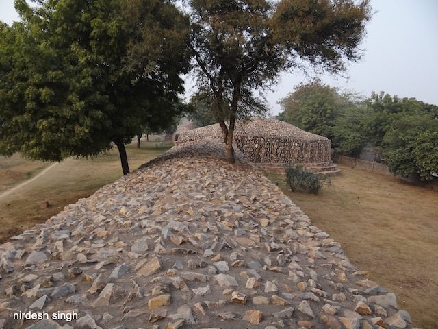 Qila Rai Pithora - Another View at Press Enclave Road