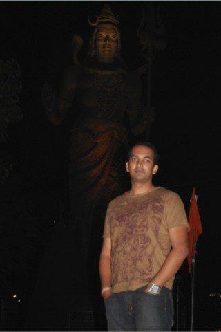 शिव भक्त गौरव। ;-)