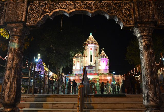 Hand-held picture of Bhuteshwar Temple, Saharanpur on Shiv Ratri.