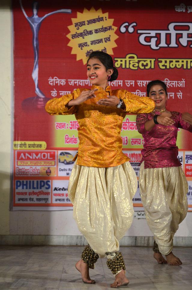 Fast shutter using higher ISO - available light shot of this Kathak dancer.