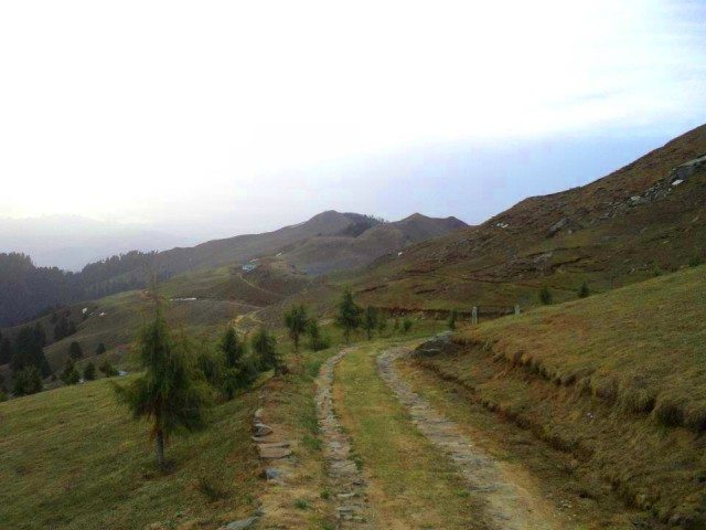 Roadhead to Prashar from Bagi…
