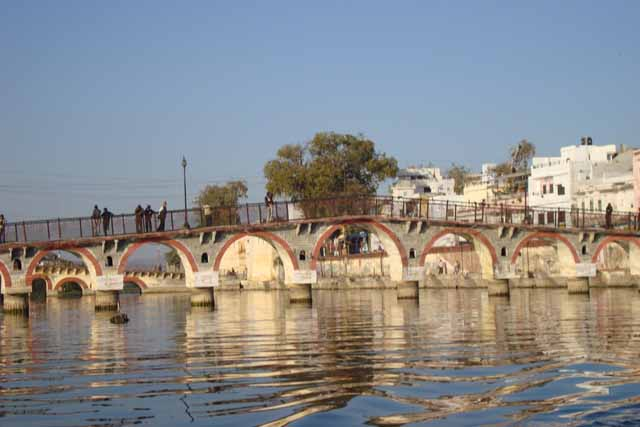Bridge on Lake Pichola
