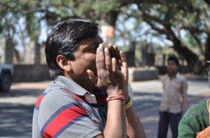 Mukesh shouting - Vande Mataram!