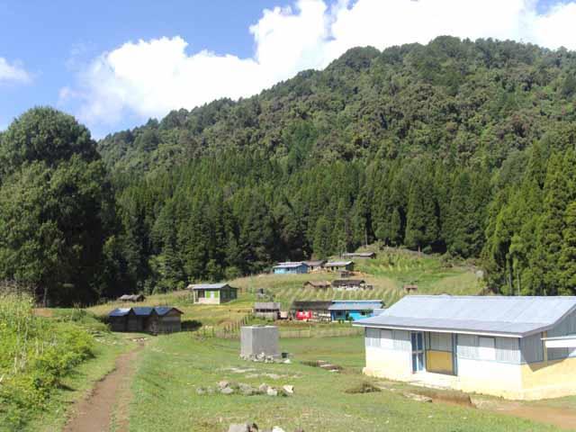 Samanden Village
