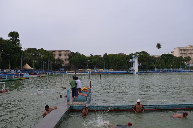 College Square - Swimming classess