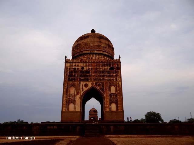 Ali Barid Shah & Ibrahim Shah Tombs