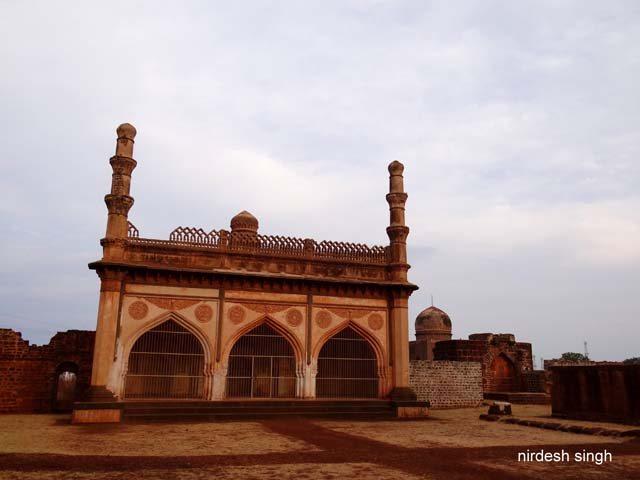Ali Barid Shah Mosque