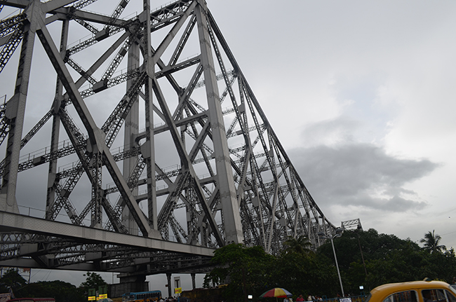The white necklace - The iconic Howrah Bridge