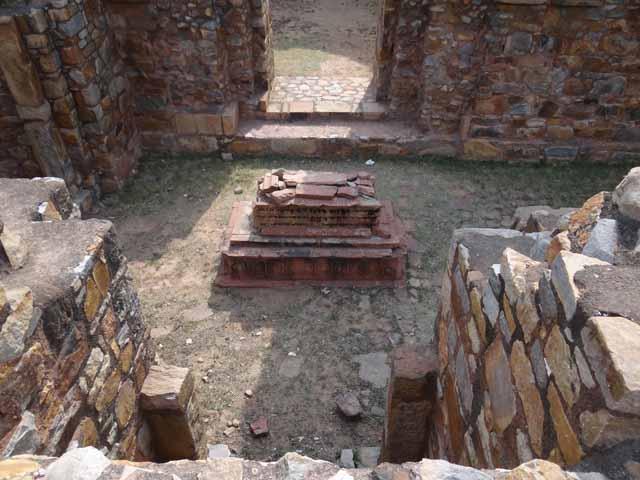 Khan Shahid Grave - Balban's Tomb