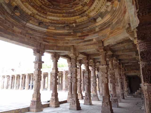Quwwat-al-Islam - Magnificent Dome and Pillars in East Colonnade