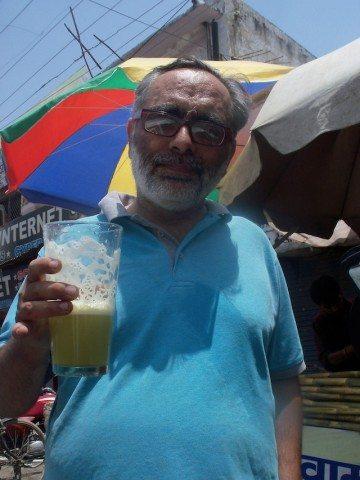 Jumbo glass of sugarcane juice
