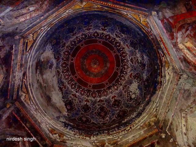 Ahmad Shah I Tomb - Dome Vault