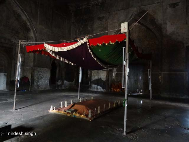 Ahmad Shah I Tomb Interior