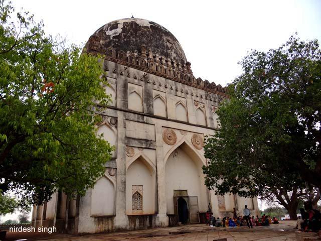 Ahmad Shah I Tomb