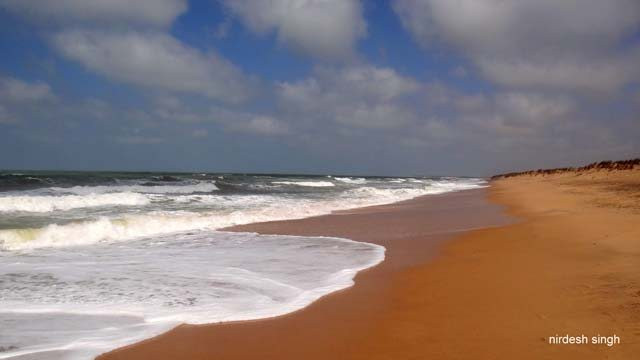 Pingleshwar Beach - White Surf