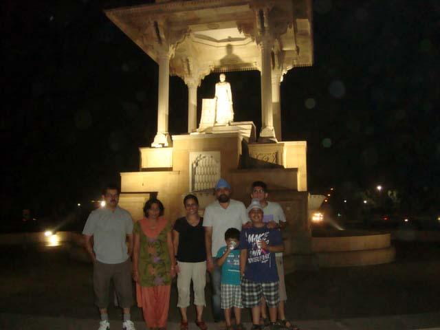 जयपुर के स्टेचू चौक पर