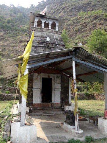 Temple above Saari Gaon