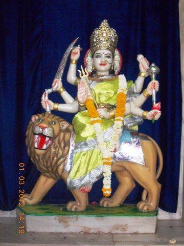 श्री राम मंदिर में स्थित दुर्गा माता