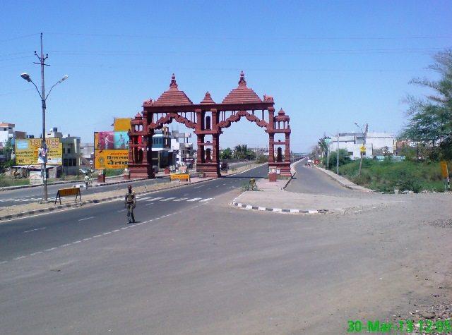 इंदौर उज्जैन मार्ग पर महामृत्युंजय द्वार