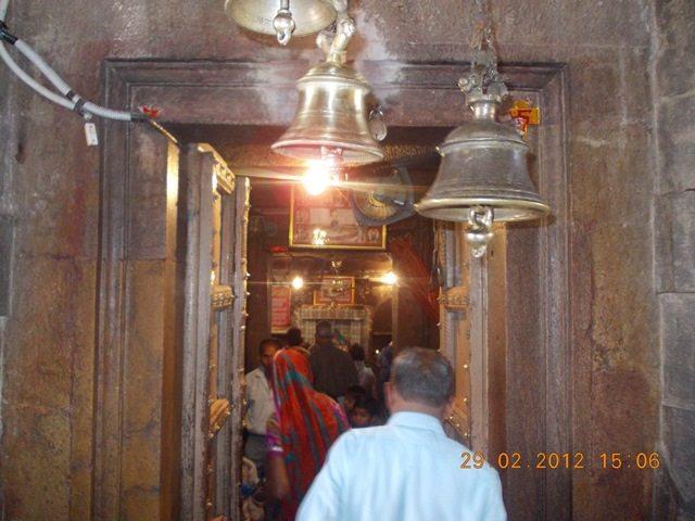 ममलेश्वर मन्दिर गर्भ गृह द्वार