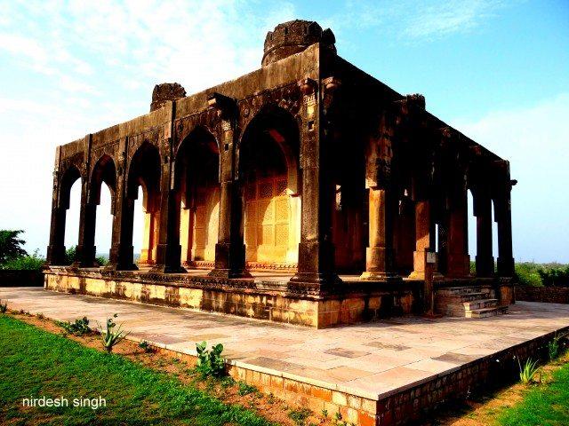 Chanderi - Bada Madarsa