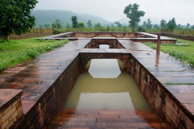 Chanderi The Overflowing Battisi Baoli - Courtesy-Vipin Gaur