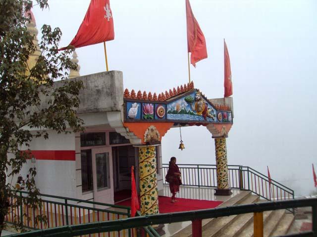 बादलो से ढका राम-जानकी मंदिर ,हनुमान टोक