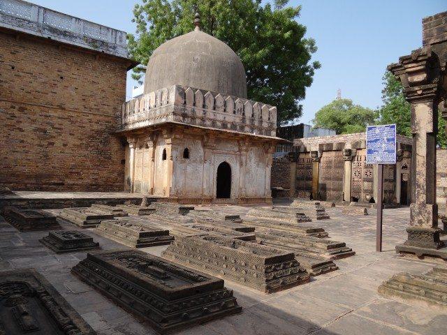 Mazar Khandan-e-Nizamuddin