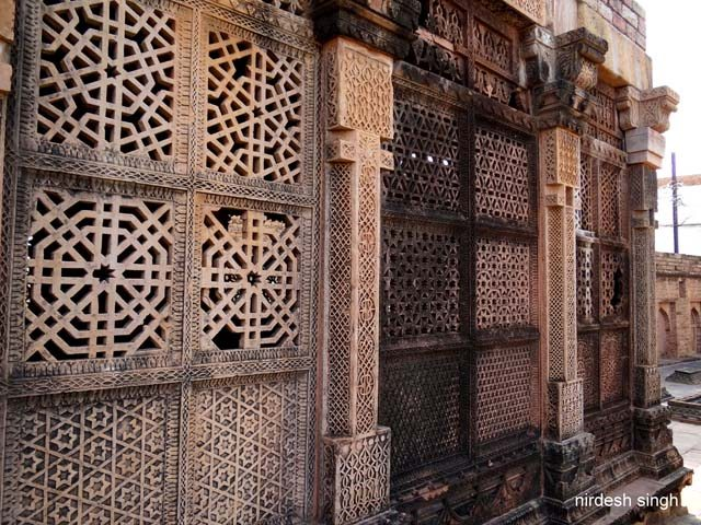 Nizamuddin Mazar - Amazing Geometric Patterns on Jaali Screens