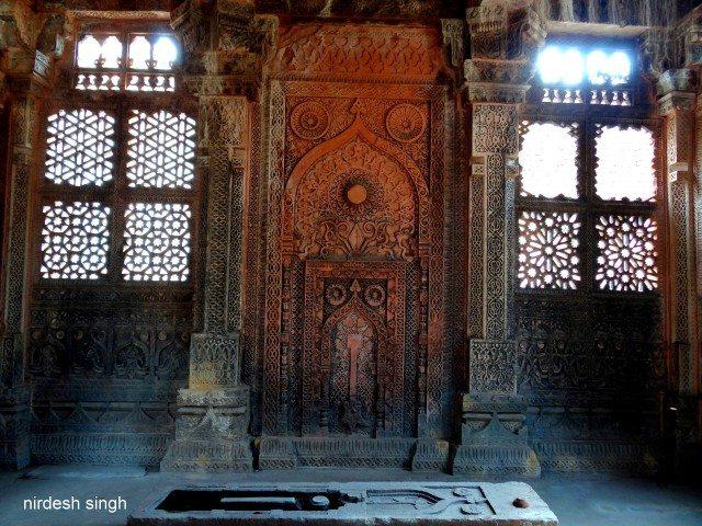 Nizamuddin Mazar at Chanderi - A Carved Mihrab