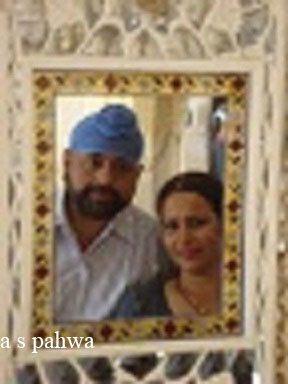 शीश महल में खींची गयी एक तस्वीर, ब्लर इसे हमने स्वयम किया है