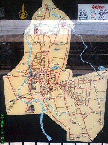 रेलवे स्टेशन पर लगा उज्जैन का मैप
