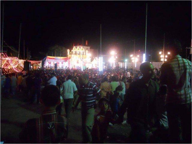जगराते में भारी भीड़
